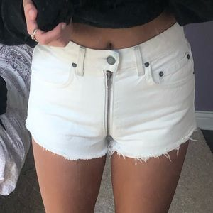 CARMAR WHITE DENIM SHORT